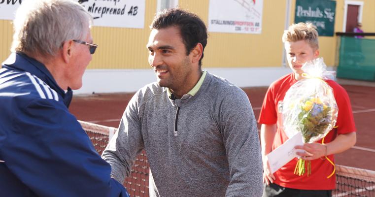 Pablo Figueroa var nöjd efter seger i Tabergsdalen. (Foto: Jacob Johannesson/SweTennis)