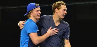 Isak Arvidsson och Fred Simonsson (Foto: Henrik Gustavsson/SweTennis)