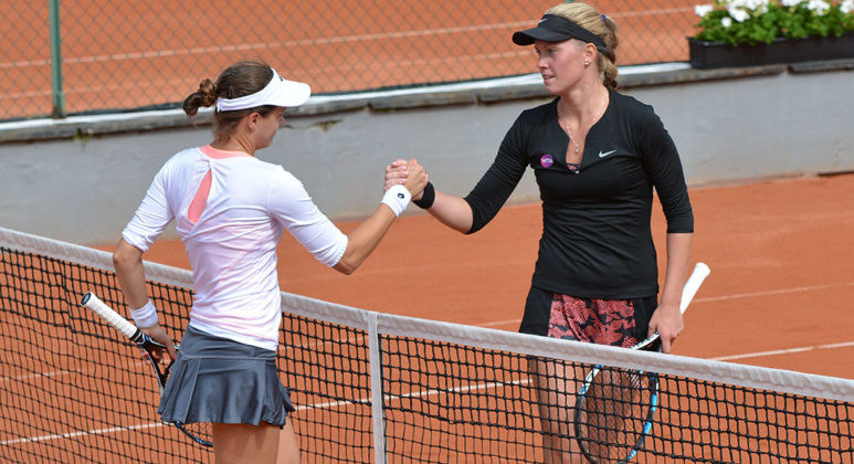 Anette Munozova och Jana Cepelova (Foto: Henrik Gustavsson/SweTennis)